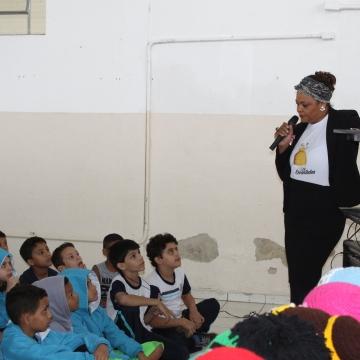 Fios Encantados faz palestra na EMEB Rotary Club
