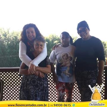 Casa Maria Madalena recebe visita de Fios Encantados