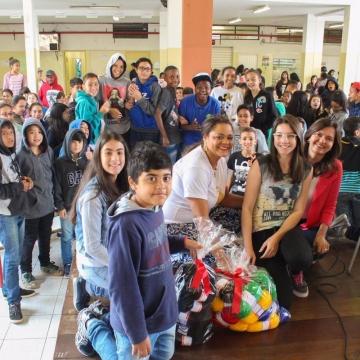 Fios Encanatos faz palestra em Santa Gertrudes, Jundiaí