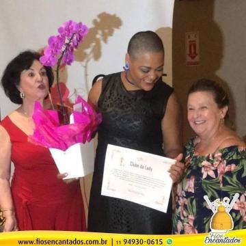 Mara Gisele é homenageada no Clube da Lady de Jundiaí